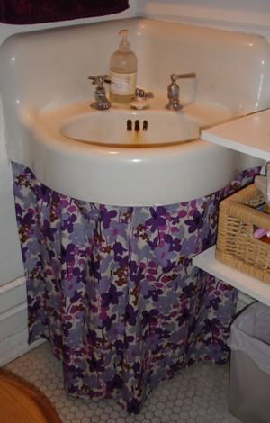 Sink_skirt